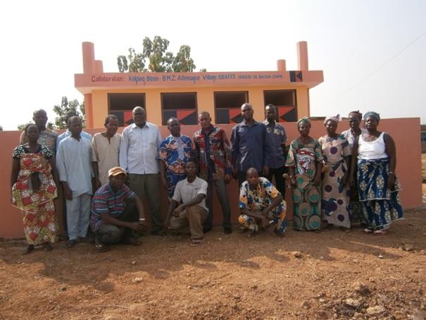 ceremonie-inauguration-latrine-publique-construite-a-gbaffo-