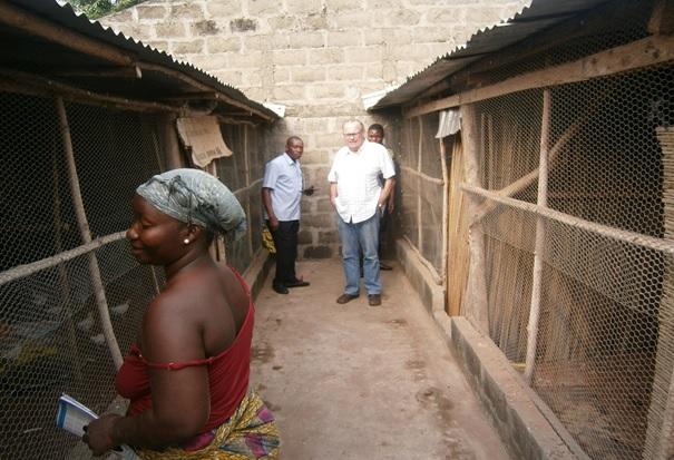 visite-de-peter-shwab-a-la-promotrice-de-ferme-de-amadou-cha